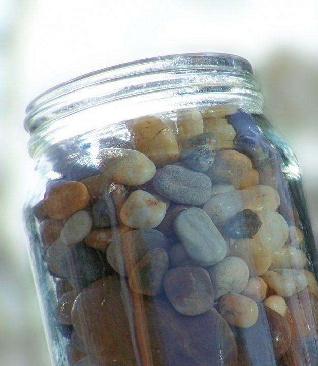 Il vaso di vetro e le priorità della vita