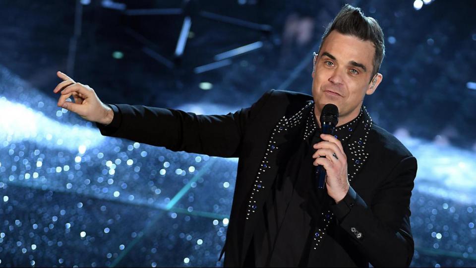 """Robbie Williams : """"Gli Italiani? Omofobi e Razzisti, Preferisco I Migranti"""""""