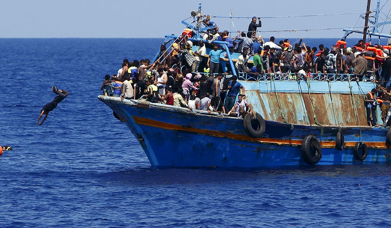 Frontex: svenduti per 80 euro