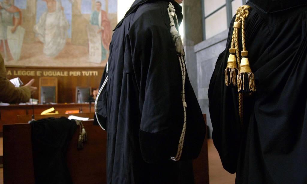 Vendevano verdetti a 5mila euro. Presi altri due giudici tributari